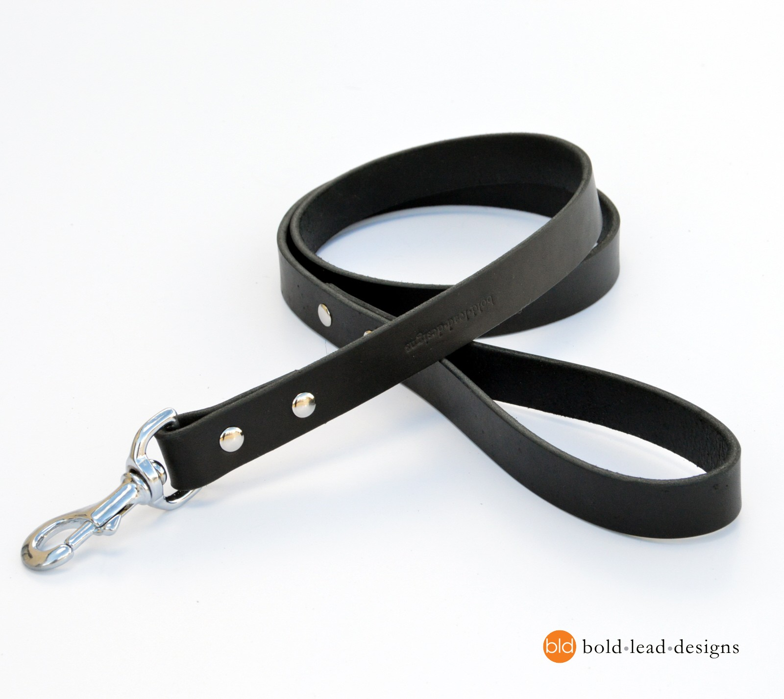 Heavy Duty Collars And Harnesses For Dogs